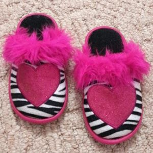 Size s (11-12) slippers
